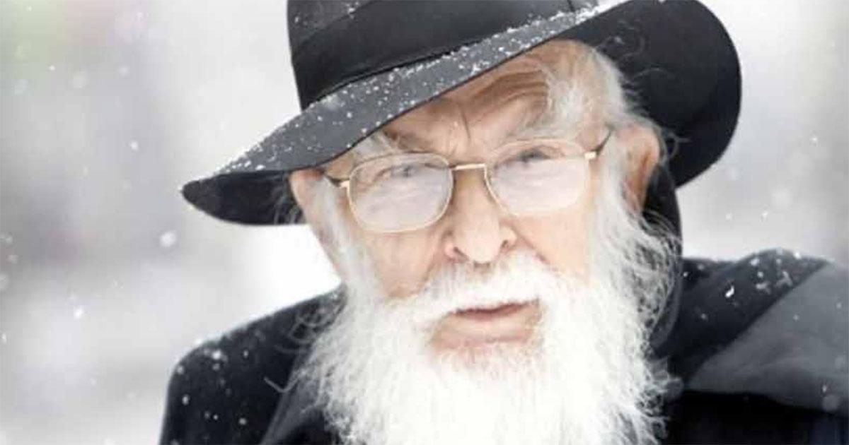James Randi,  plus connu sous l'appellation « Randi le stupéfiant » (« The Amazing Randi »), est un illusionniste professionnel canado-américain.